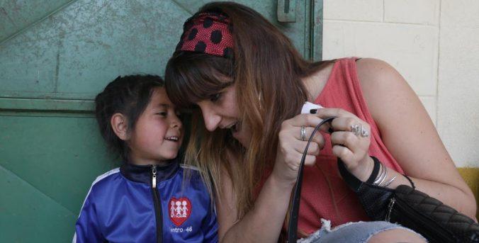 Rozalén viaja a Guatemala con La Luz de las Niñas