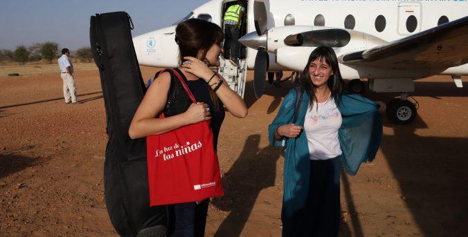 Rozalén viaja con Entreculturas y La Luz de las Niñas a Chad