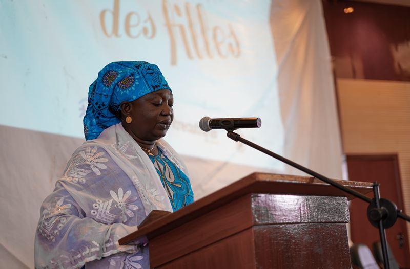 Representante del Ministerio de la Mujer y de la Protección de la Pequeña Infancia ofreciendo su discurso. Irene Galera/JRS.