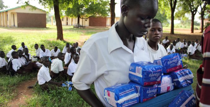 LA LUZ DE LAS NIÑAS EN KENIA: LA SALUD MENSTRUAL ES UN DERECHO