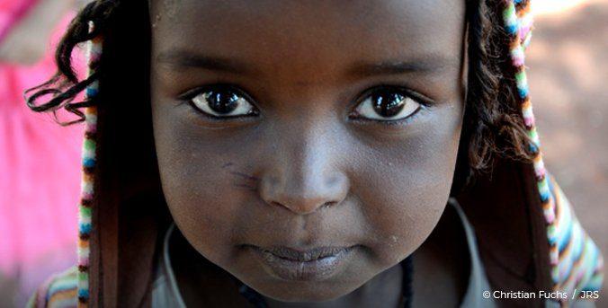 Filles à l'abri de la violence : le droit à l'éducation, une garantie d'égalité